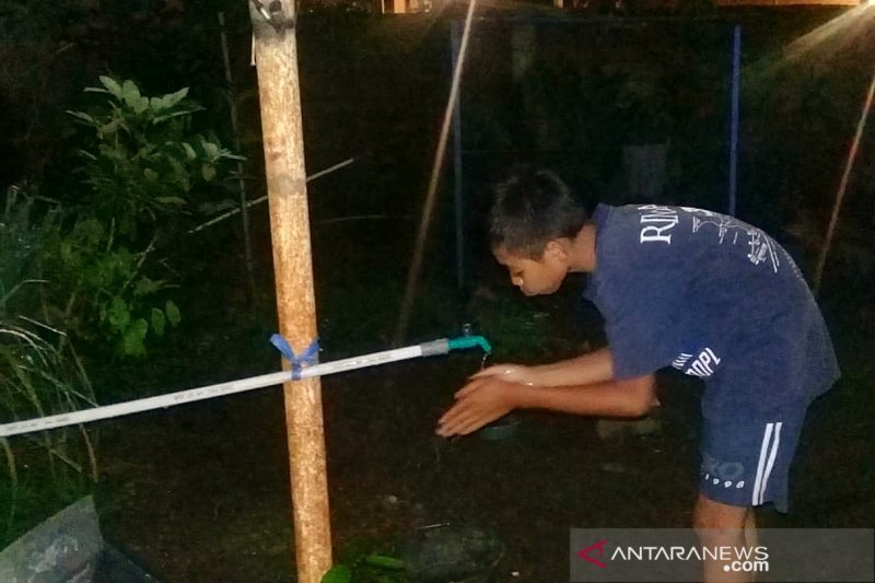 Warga Desa Senaru kesulitan air bersih