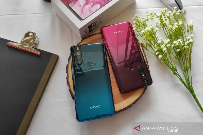Vivo V15, keseruan selfie dengan kamera pop-up