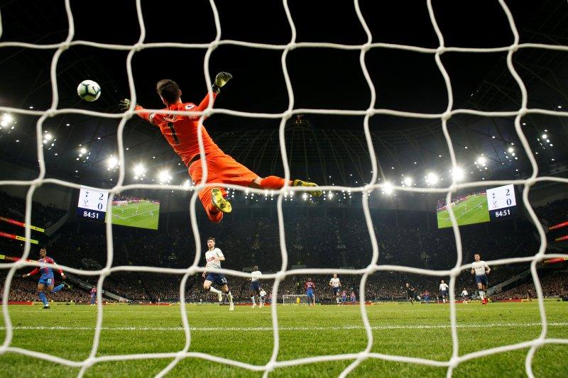Spurs petik kemenangan vital 2-0 atas Crystal Palace