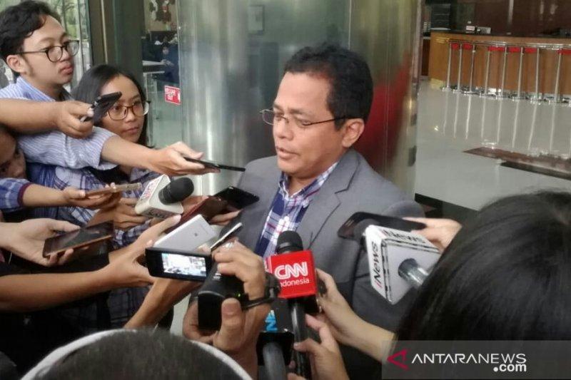 KPK panggil Sekjen DPR sebagai saksi tersangka Romahurmuziy