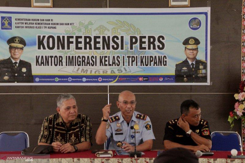 Imigrasi Kupang tahan tiga warga Turki dan Lebanon