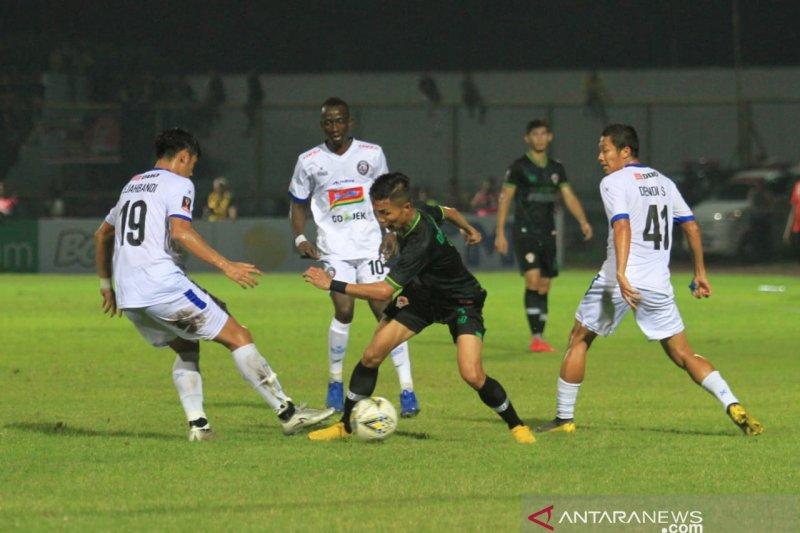 Arema  maju ke final Piala Presiden setelah kalahkan Kalteng Putra