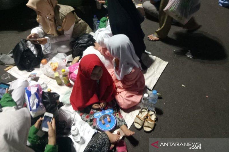 Pendukung Prabowo-Sandi ajak anak dalam kampanye akbar di GBK
