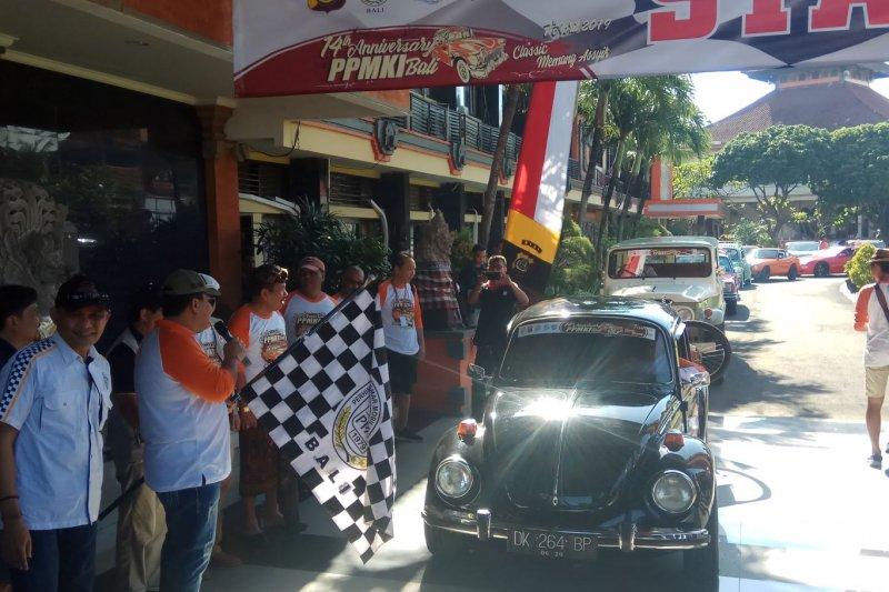 "Ada ""touring"" 448 mobil kuno di Bali"