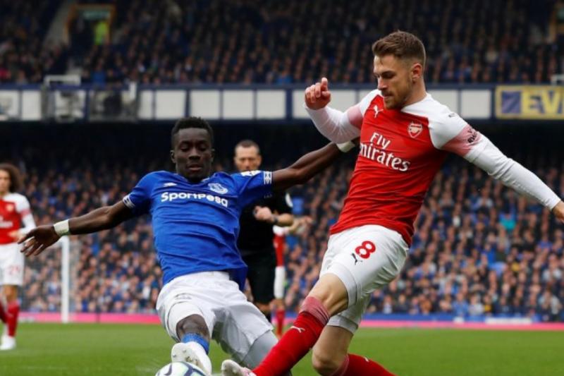 Everton Gagalkan ambisi Arsenal