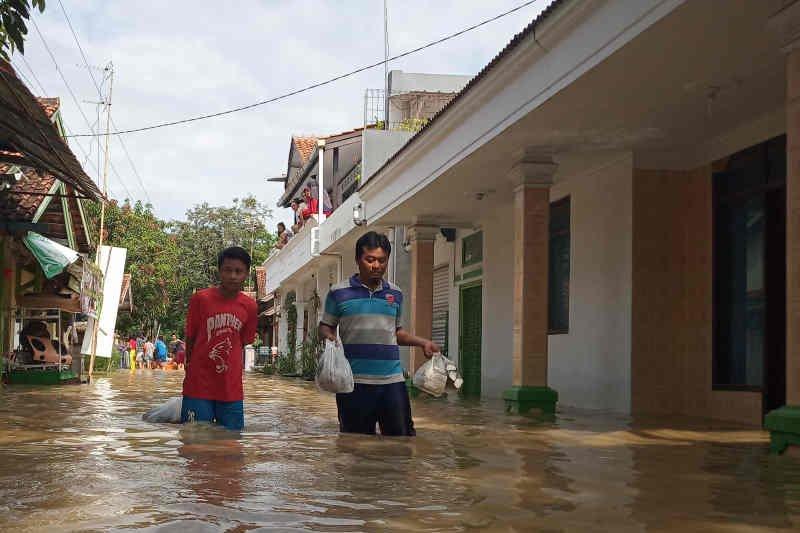 Kemensos sudah kirimkan bantuan darurat banjir Indramayu