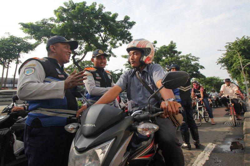 Larangan merokok di Yogyakarta sambil berkendara disosialisasikan melalui VMS