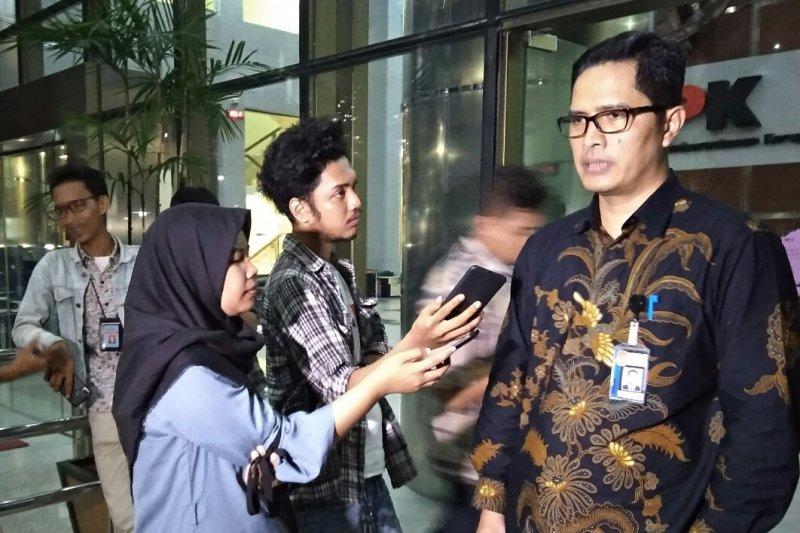 KPK konfirmasi Eni Saragih terkait penerimaan uang