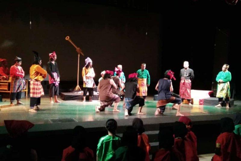 Pertunjukan Teater Karaeng Pattingalloang pukau pengunjung Trans Studio