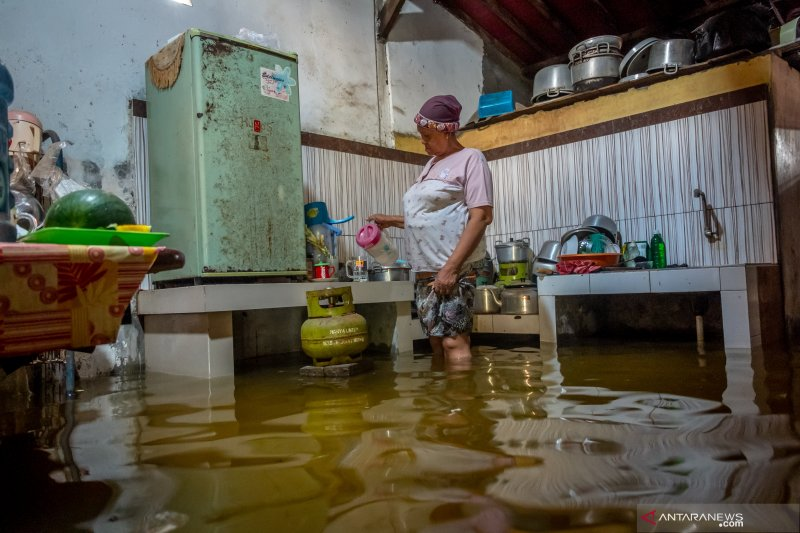 Banjir di Demak akibat luapan air Sungai Dombo-Sayung