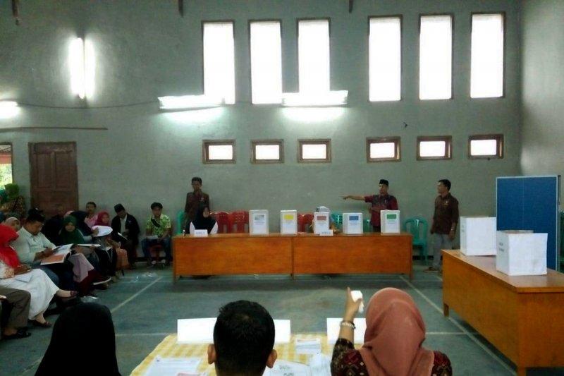 Maksimalkan peran KPPS, KPU Tanah Datar berikan bimtek pelaksanaan pemilu