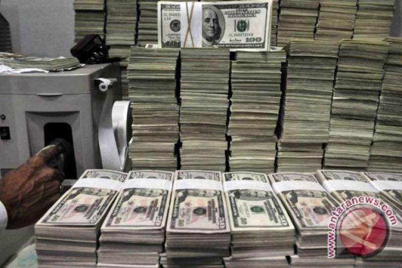 Kurs Dolar AS menguat di tengah penurunan mata uang ini