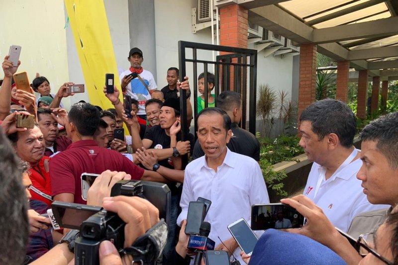 Jokowi bantah ada surat suara yang sudah dihitung di luar negeri