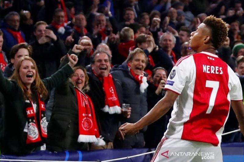 Ajax pagari David Neres hingga 2023
