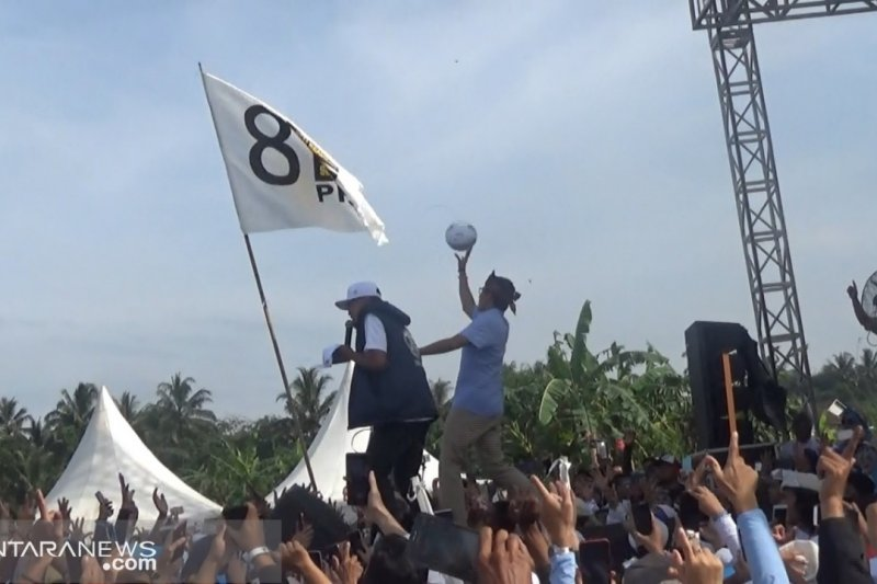 Sandiaga Uno di Sukabumi janjikan tarif listrik turun