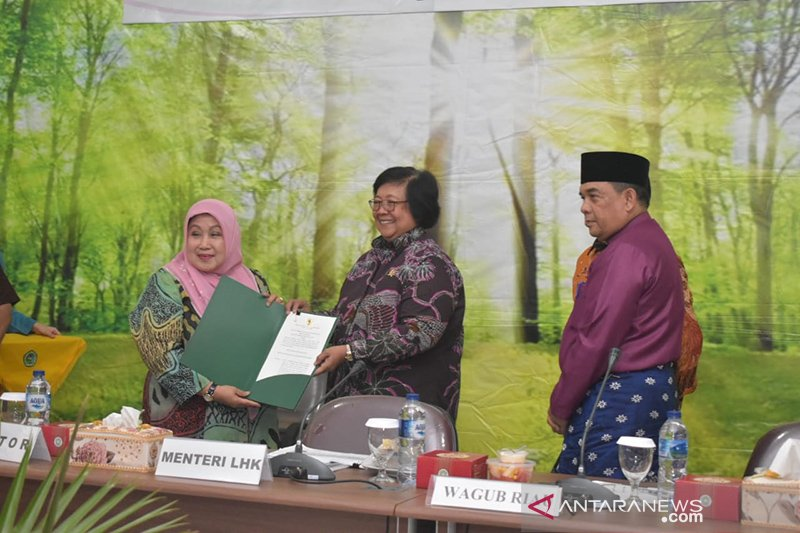 Menteri LHK beri izin Unilak kelola hutan untuk pendidikan