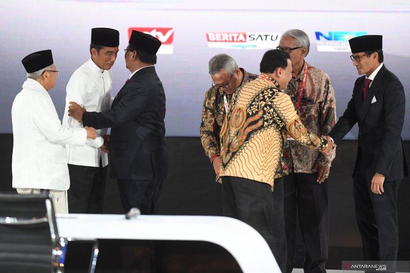 Kemarin, bahasa tubuh capres cawapres hingga Kim Kardashian di Bali