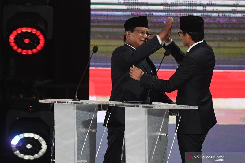 Akhir debat capres kelima, Prabowo tos dengan Sandiaga