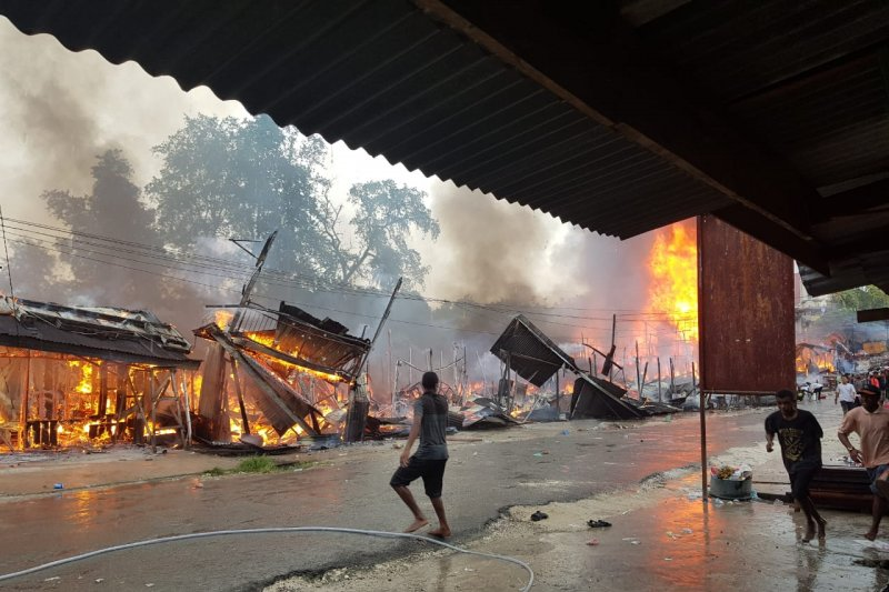 Pasar Ampera Sorong Selatan terbakar