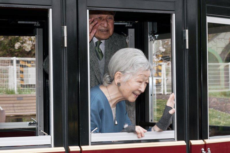 Kaisar Jepang beri penghormatan kerakhir di situs suci Shinto