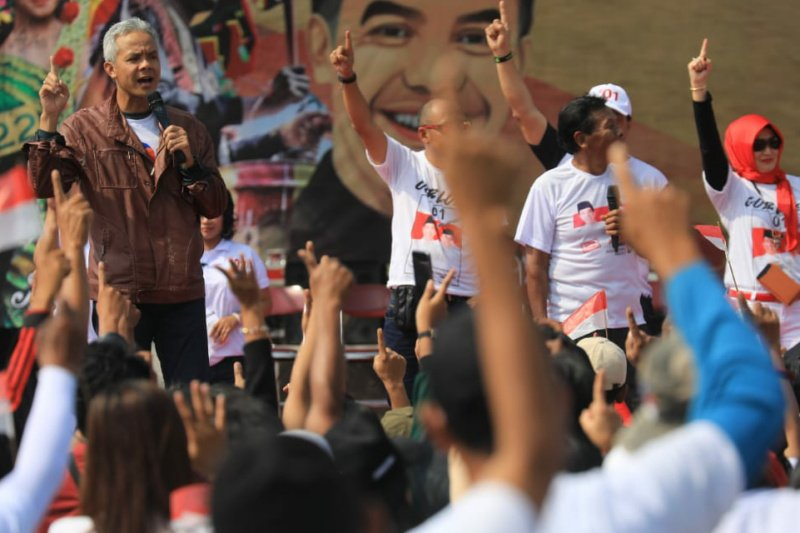 Ganjar Pranowo jurkam Jokowi-Amin di tiga kabupaten