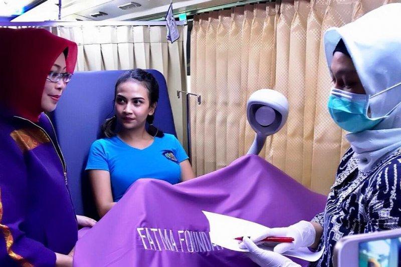 Vanessa Angel ikuti penyuluhan kanker serviks di Rutan Medaeng