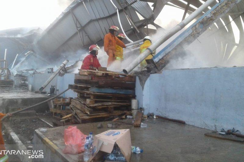 Gudang semabko Indomarco di Bogor terbakar