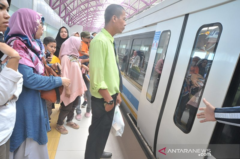 HUT BUMN ke 21, PT KAI gratiskan LRT Sehari
