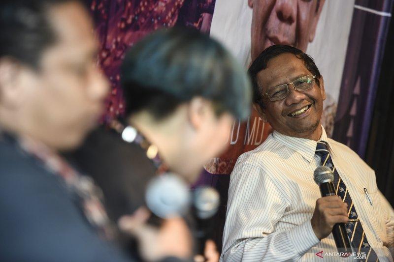 Hingga saat ini belum ada pemenang resmi Pemilu 2019, kata Mahfud MD