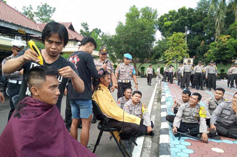 Selama pengamanan TPS anggota Polisi dilarang pulang ke rumah