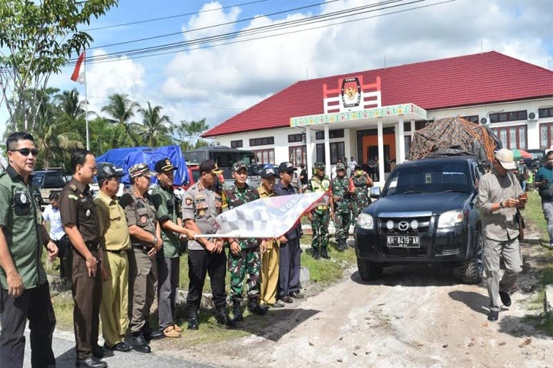 Distribusi logistik pemilu 2019 tuntas hari ini, kata Ketua KPU Gumas