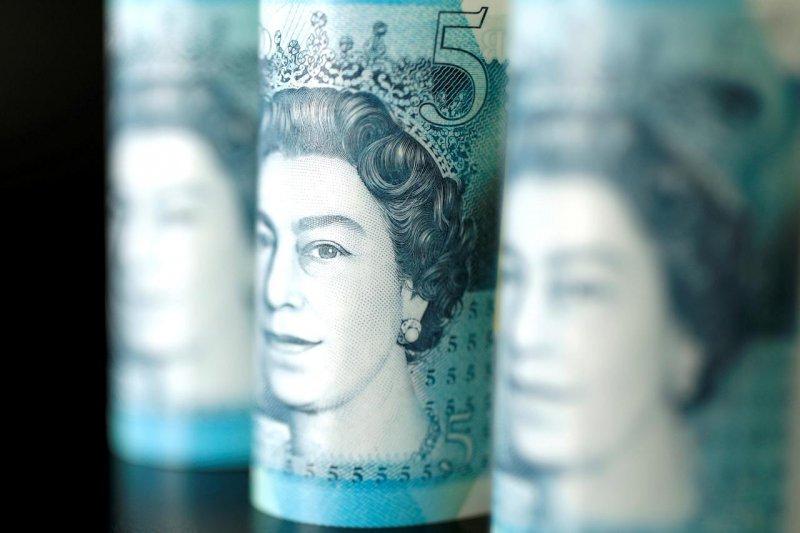 Dolar AS melemah di tengah meningkatnya pound sterling