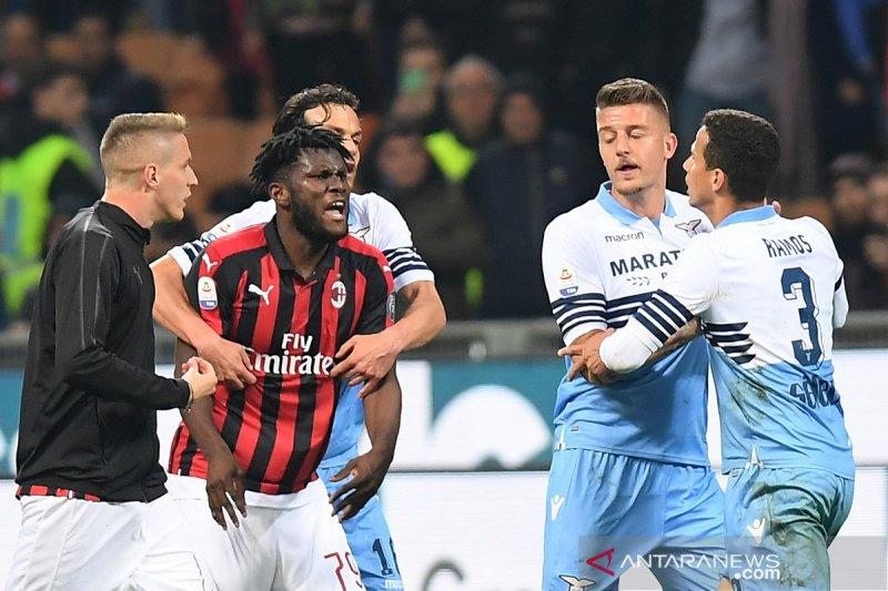 Insiden rayakan kemenangan, enam pemain Milan dan Lazio terkena denda