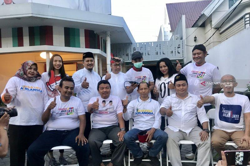 Jokowi Menang Hitung Cepat, Pendukung Cukur Rambut Hingga Gundul