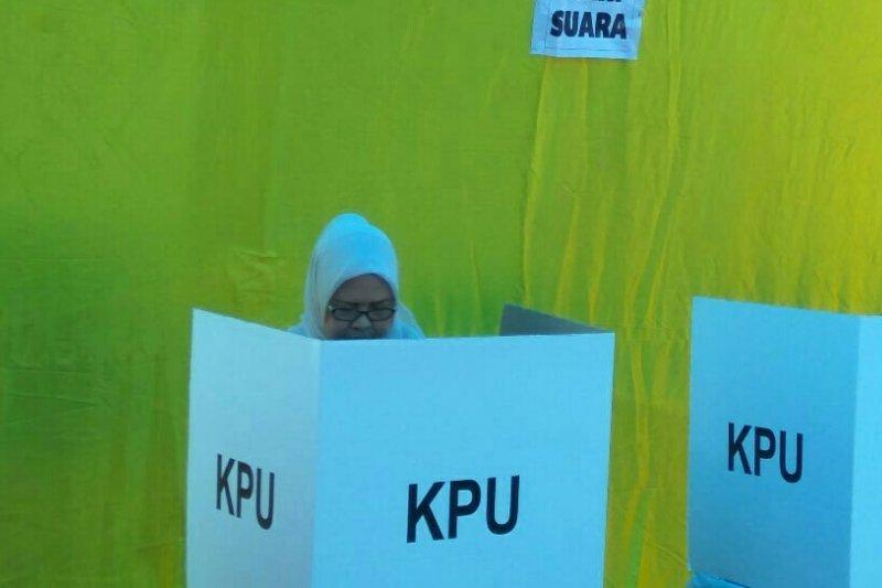 Ada TPS kurang surat suara, Ketua DPRD Riau minta KPU cari solusi