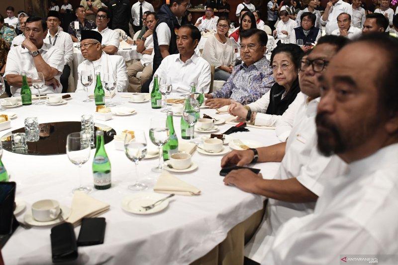 Jokowi sementara unggul di 13 provinsi