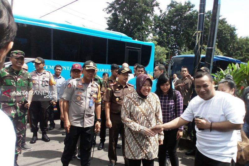 Jajaran Forpimda Surabaya tinjau sejumlah TPS
