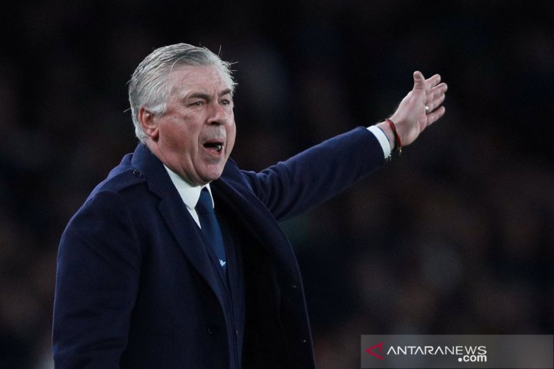 """Napoli perintahkan tim """"dikurung"""", Ancelotti tidak setuju"""
