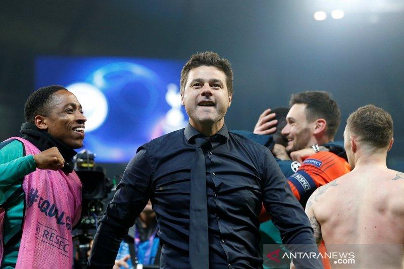 Pochettino menyematkan status pahlawan ke pemain Tottenham