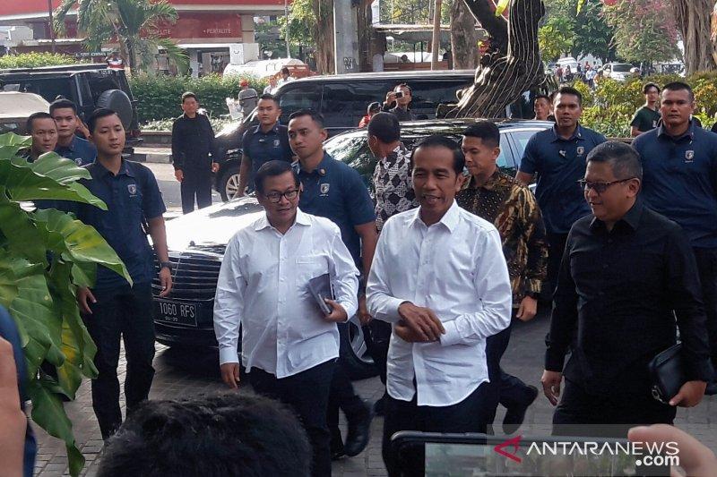 Jokowi bertemu ketua umum partai koalisi Indonesia Kerja