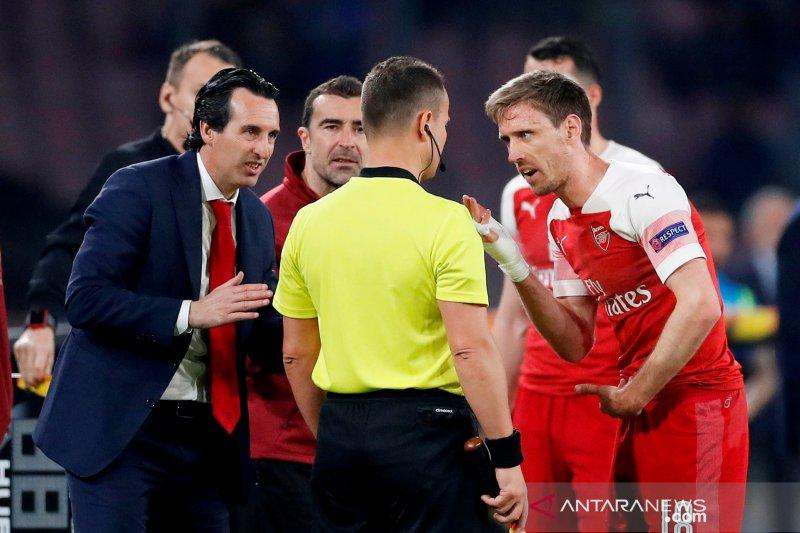 Nacho Monreal resmi tinggalkan Arsenal