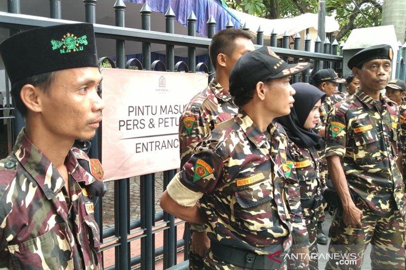 Jumat Agung di Katedral mendapat pengamanan petugas gabungan