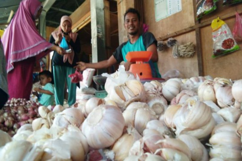 Harga bawang putih di Yogyakarta masih tinggi