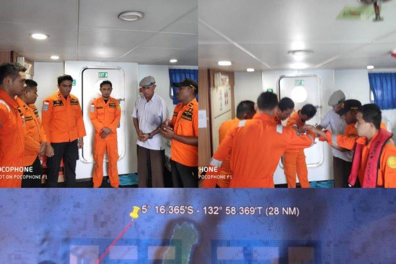 Kapal bermuatan 10 orang terombang-ambing di Perairan Kei, Maluku