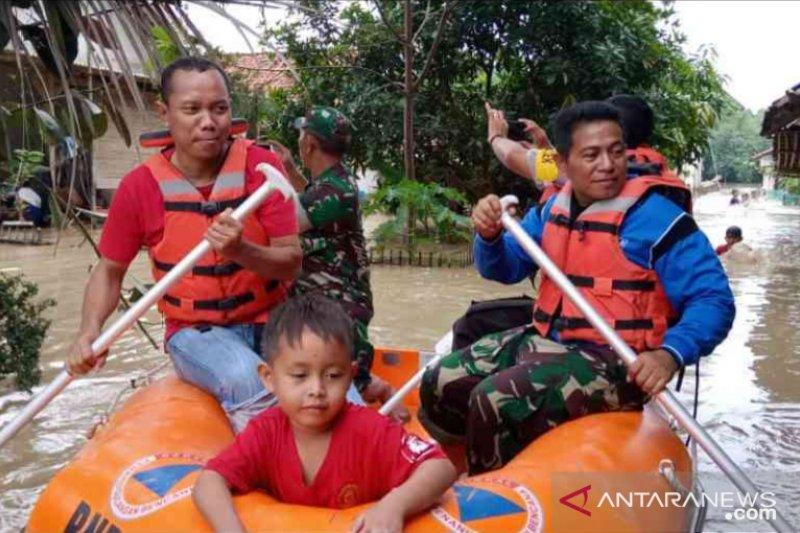 72 rumah terendam banjir di Cikarang Pusat