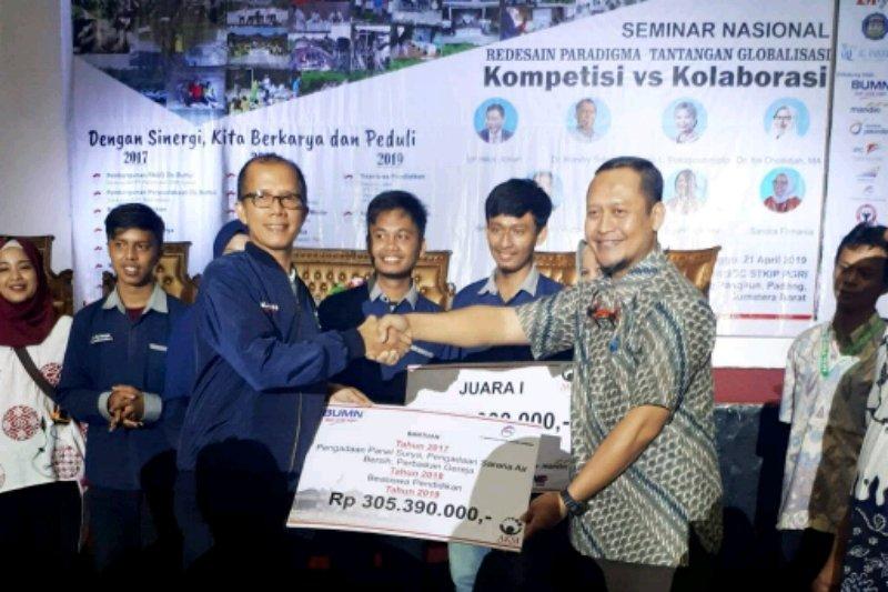 PPA serahkan beasiswa sarjana Anak Mentawai