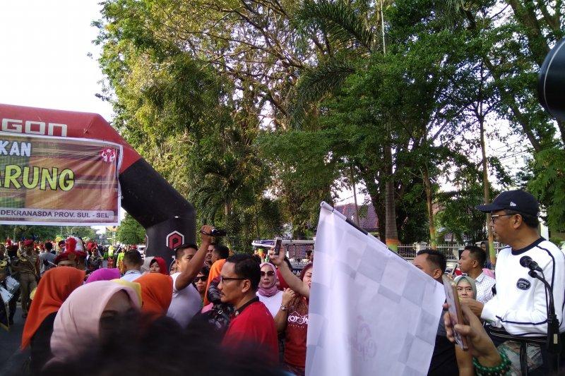Festival Sarung khas Sulsel meriahkan peringatan Hari Kartini