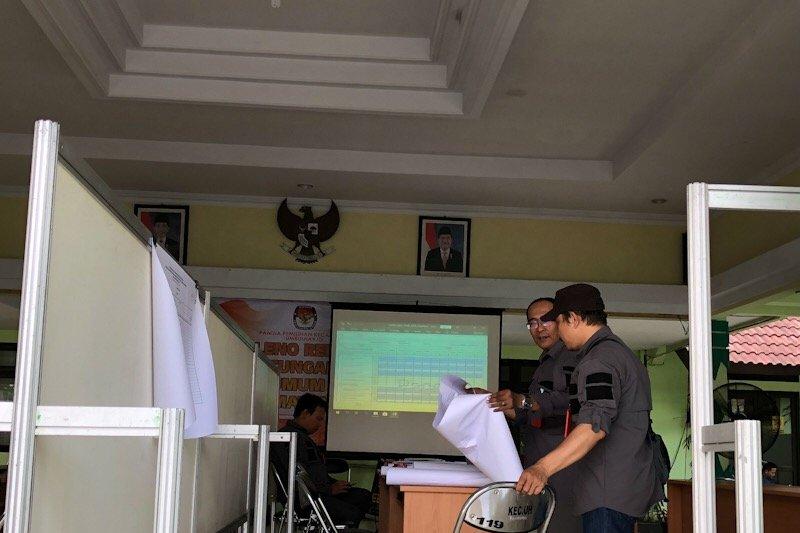 Dua dari 14 PPK Yogyakarta merampungkan rekapitulasi suara