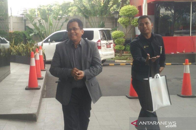 KPK periksa Sekjen DPR sebagai saksi tersangka Romahurmuziy