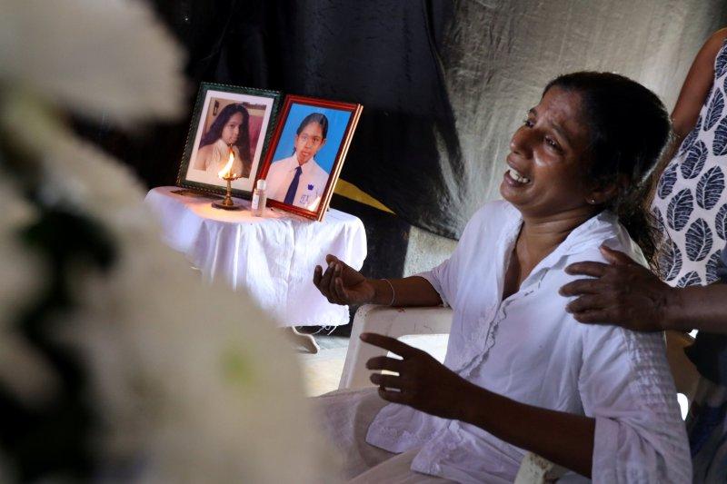 Umat Katolik Sri Lanka nyalakan lilin